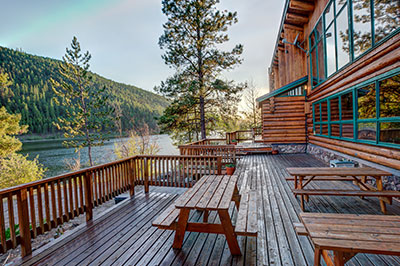 Island Lodge at Salmon Lake