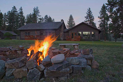 Blackfoot River Lodge - Fire Pit
