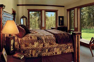 Blackfoot River Lodge - Bedroom