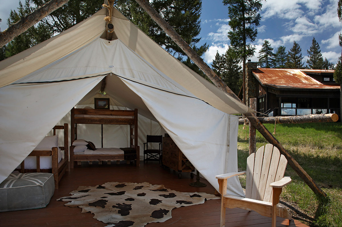 Wilderness Estates - Great Room Wilderness Estates - Optional Tent & Montana Guest Ranch Accommodations - Wilderness Estates - The ...